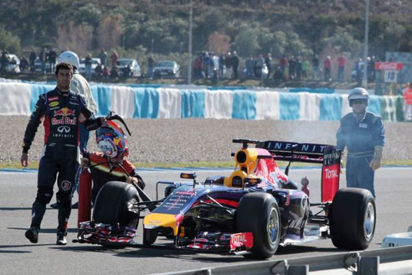 Ricciardo RB10 stop Jerez D3_600